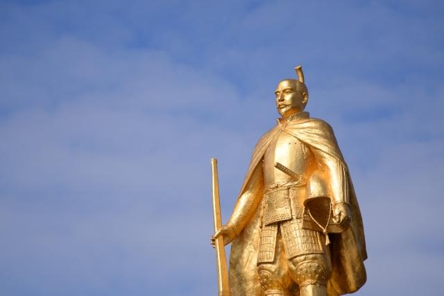 岐阜駅のシンボルの信長像